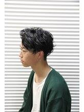 シュプリーム(supreme)黒髪ゆるふわパーマスタイル