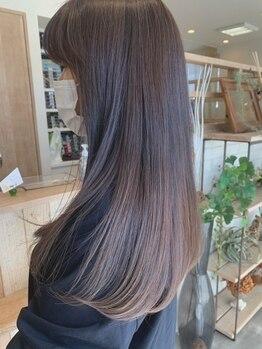 ヘアー テクニカ(hair Technica)の写真/自分のなりたい本当のストレートとは…。ストレートを長く保つための日常でのケア方法など、丁寧にお伝え◎