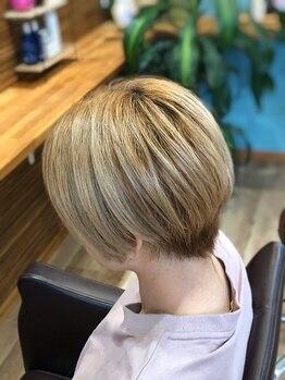 ヘアーズニップ(HAIR'S nip)の写真/お客様の顔の形や骨格に合わせたカットでショートヘアも華やかに♪360℃考えられた美シルエット☆