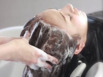ティエル(Tieru)の写真/【Aujuaソムリエ取得サロン♪】炭酸スパでリフレッシュ&頭皮から健やかな髪へ☆極上の癒しをご体験下さい♪