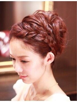 伸ばしかけの前髪のアレンジ・セット方法|かけ流す/編み込み/ヘアバンド
