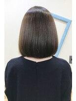 ソフトヘアカッターズ(soft HAIR CUTTERS)透明感と質感で小顔に♪サラツヤ髪大人のボブ&グレイカラー