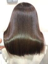 プラウド30代カラー☆眩しい髪色&なびくヘア