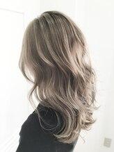 リードヘアーバイバンプ(Lead Hair by vamp)【Lead Hair】外国人風ブルーアッシュ (バックスタイル)
