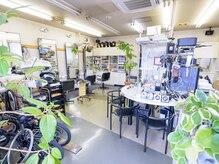 サロンドニス美容室(Salon de NISS)の雰囲気(天井高!!開放感)