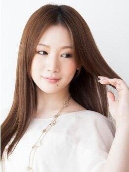 銀座 ロイス(ROYS)の写真/【魅せ髪ストレート】一人ひとりのクセに合わせて内側から髪質改善!艶のある美ストレートは扱いやすさも◎