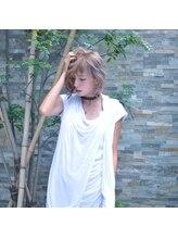 シェリー(cherie)【Cherieオリジナル】クリームアッシュ・ストリートウルフ