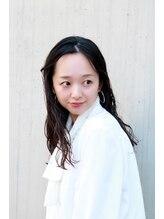 ラファンジュ ヘアーブラン(Rohange hair Blanc)透け感×ナチュラルカール