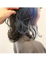 ポーズ(PAUSE)ブルーのイヤリングカラー