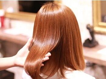 サニーデイズ(Sunny Days)の写真/【クオリシアカラー+グローバルミルボンTR¥4840】ダメージ髪を極上TRで贅沢にケア♪ワンランク上の髪へ!