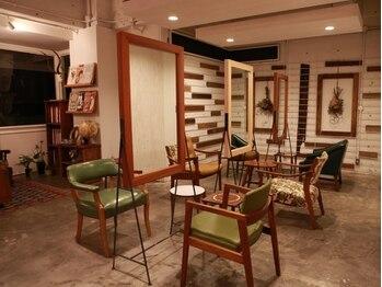 カラン(KARAN)の写真/お洒落女子に人気!≪KARAN≫のヴィンテージな素敵空間で上質SalonTimeを…☆1人1人のなりたいを叶えます♪