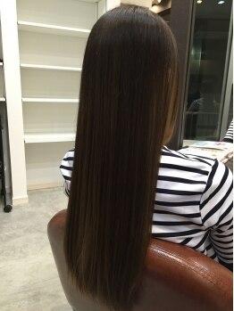 マナヘアー(Mana Hair)の写真/【女性専用サロン&縮毛矯正が大人気】自然…なのに気になるクセはしっかり伸ばす!!触りたくなる美髪に変身
