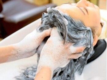 """ラッシェルアンジュ(Rushell Ange)の写真/天然由来の植物エキスをたっぷり配合""""ユルルカ""""で頭皮に潤いを与え、健康的な髪へ導きます★"""