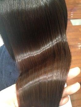 パステルアトリエドウ(Pastel Atelier Deux)の写真/感動するほど驚きのツヤと手触り【髪質改善サイエンスアクアトリートメント】で潤う衝撃の艶髪体験…♪