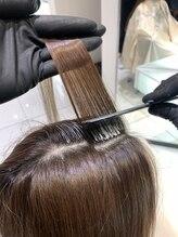 白髪染め世代必見!今から始める頭皮ダメージを防ぐ白髪染め新技法『ゼロタッチ』