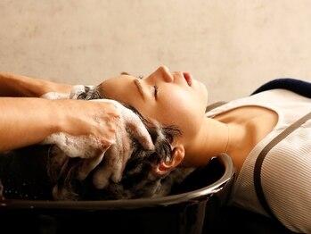 """リノア(LINOA)の写真/【個室ヒーリングルーム】で非日常のリラックスタイム。""""オーガニック認証""""アロマオイルで香りでも癒される"""
