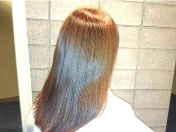 パルキエ(parrucchie)の写真/気になる白髪に負担なく綺麗に明るめにも染まると大好評!白髪をしっかり染めて、立体的に見せるカラーも◎