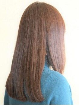 ヘアメイク イアラ 高柳(hair make iara)の写真/Aujuaヘアケアで、ダメージケアだけではなく、傷まないように予防もできる♪高い技術と提案力でお悩み解消!