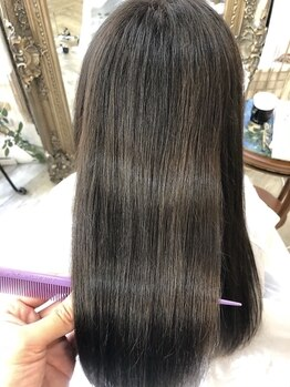 ソレイユ 新宿御苑前 (SOLEIL)の写真/髪に最高級の栄養素を補給する【髪質修復トリートメントエステ】で、大人のツヤ髪を。【ソレイユ新宿】