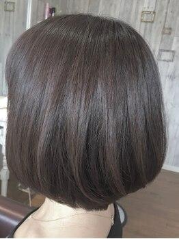 グットゥ ヘアアンドスペース(goutte hair&space)の写真/グレイカラーとは思えないオシャレな仕上がりに気分UP♪高い知識と経験をもつスタイリストの技術は必見!