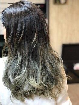 ニコプラス(NICO+ Hair Nail&School)の写真/【豊富な商材が大好評◎】流行カラーでアナタの魅力を引き出す !髪に優しいダメージレス施術も嬉しい。