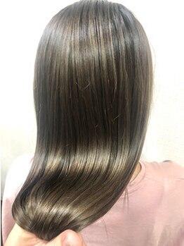 ジニアル(XeniaL)の写真/最上級の仕上がりを生む【XeniaL】髪質改善の中でも最高級の酸熱トリートメント『oggiotto』取り扱い店。