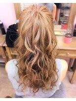 ヘアセットサロン アトリエ チャイ(Hair set salon atelier CHAI)ふわふわボリュームポニー