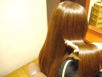 シュクル イスナーニ(しゅくる ithnani)の写真/艶髪が持続する髪質改善ヘアエステ☆髪のダメージをしっかりケアし、さらさらの指通りに♪