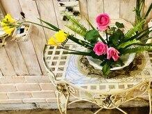 ヘアドゥアイザワ(Hair-do AIZAWA)の雰囲気(週1回お花屋さんが来てくれます*お花を見てリラックス♪)