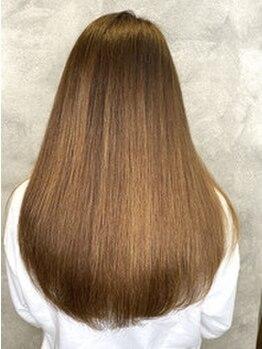 ビューティースペース ルーチェ(Beauty space LUCE)の写真/内側からキレイな艶美髪へ。お手入れが楽でずっと触っていたくなるナチュラルストレートな縮毛矯正を…