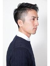 ヘアスタジオ ジャンテ(Hair Studio J'en te)黒髪ツーブロックスタイル。