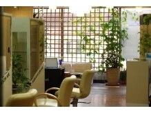 アミ美容室の雰囲気(ナチュラルな雰囲気の店内でくつろぎながらをキレイ作りましょう)