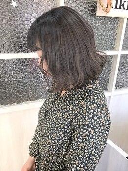 キキ(kiki by KENJE)の写真/多くの学生のお客様が通うkikiでは、外国人風や透明感のあるカラーがリーズナブルに叶う♪【新百合ヶ丘】