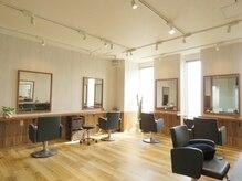 ヘアーオブジェ 末広店(Hair OBJET)の雰囲気(シンプルで洗練された奥のブース。開放感のある空間でまったり…)
