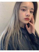 ユルク(jurk)straight × blond