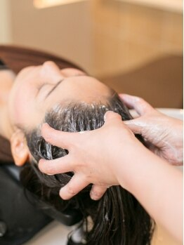 ヘアーマヒナ(Hair mahina)の写真/アロマ香る癒しのクリームヘッドスパでrelax気分を満喫してください♪