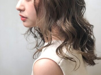 モナヘアー ピウ(mona hair piu)の写真/ヘア、エステ、などの美容知識が豊富でキャリアのあるスタッフが、あなたのオシャレをサポートいたします♪