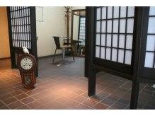 ヴォルス(Vols)の雰囲気(半個室で周りを気にせずゆったりした絵になる空間。)