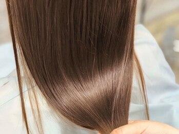 モナヘアー ピウ(mona hair piu)の写真/【髪質改善】酸熱トリートメントでうねりやクセを改善しツヤ髪に♪COTA、TOKIOトリートメントも取扱い有◎