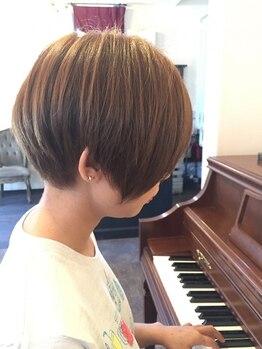 アトリエライン (atelier ♭.Line)の写真/≪ドライカットで創るこだわり≫髪の毛が乾いた状態でお客様の髪質やお悩みをカウンセリング・判断します♪