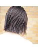 ノエル ヘアー アトリエ(Noele hair atelier)『Noele』切りっぱなし外ハネボブ
