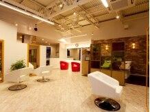 ジュビリー デザインルーム(JUBILEE design room)の雰囲気(ナチュラル&センスフルな店内はアーティストのアトリエのよう!)
