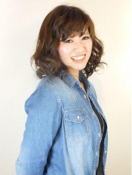 ヘアーサロン チョキ(Hair Salon Choki)の写真/発色の良さと豊富な色味でオトナ女性のオシャレをサポート★明るめグレイカラーでいつまでも若々しい印象に