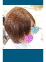 ノイズシェーン(NEU!z SCHOEN)《before》パッツンからの伸ばしかけ前髪。