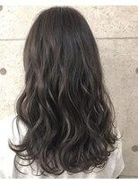 アールプラスヘアサロン(ar+ hair salon)波巻きグレージュ3Dカラーゆるふわロング