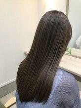 クーラペ(Cura Per hair garden)グレージュハイライト