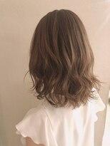 髪に優しい耳かけ毛先パーマイメチェンフォギーベージュ