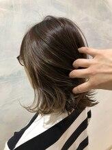 スピンヘアワークス(Spin Hair Works)さりげなインナーカラーハイライト
