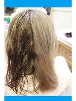 ノイズシェーン(NEU!z SCHOEN)《before》アッシュブリーチヘアへの縮毛矯正
