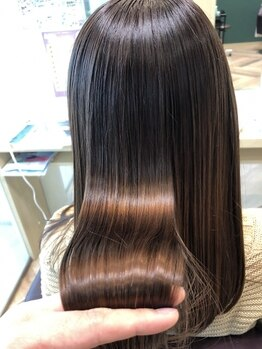 """ファースト 仙台店(first)の写真/新メニュー""""髪質改善トリートメント""""で、うねりやくせを抑えずっと触りたくなるようなうるツヤ質感の髪に"""